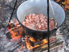 Essen wir heute? Wir kochen wie im Mittelalter.